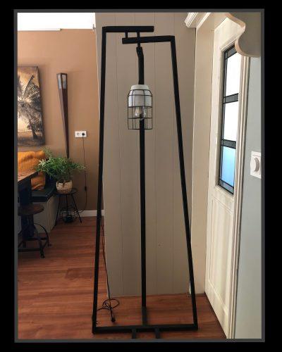 Even een foto van de gehele lamp.